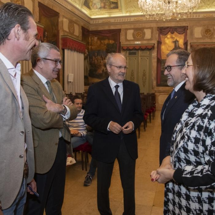 La Diputación presenta una guía 'con soluciones' a los 10 principales retos a los que se enfrentan los ayuntamientos