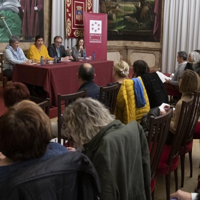 Diputación y Generalitat impulsarán un plan plurianual para dar estabilidad a los equipos base de los servicios sociales de los municipios