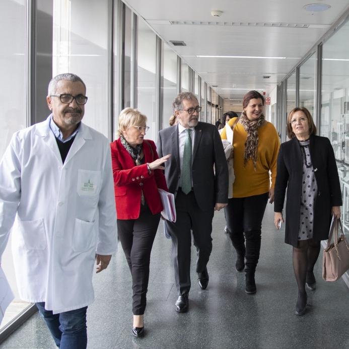 Martí ensalza la gran dotación tecnológica del Hospital Provincial, consolidado como centro oncológico de referencia a nivel nacional