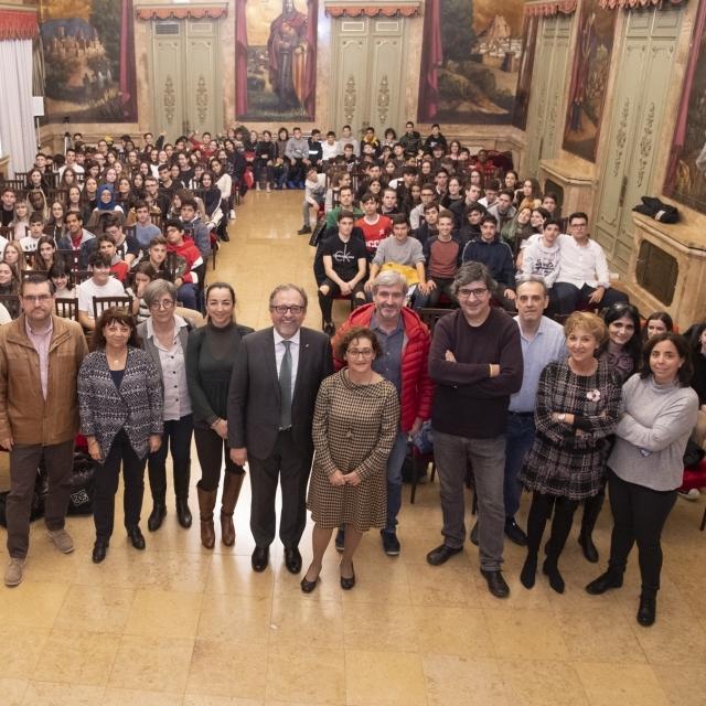 Alumnos y profesores del IES Penyagolosa de Castellón visitan el Palau Provincial