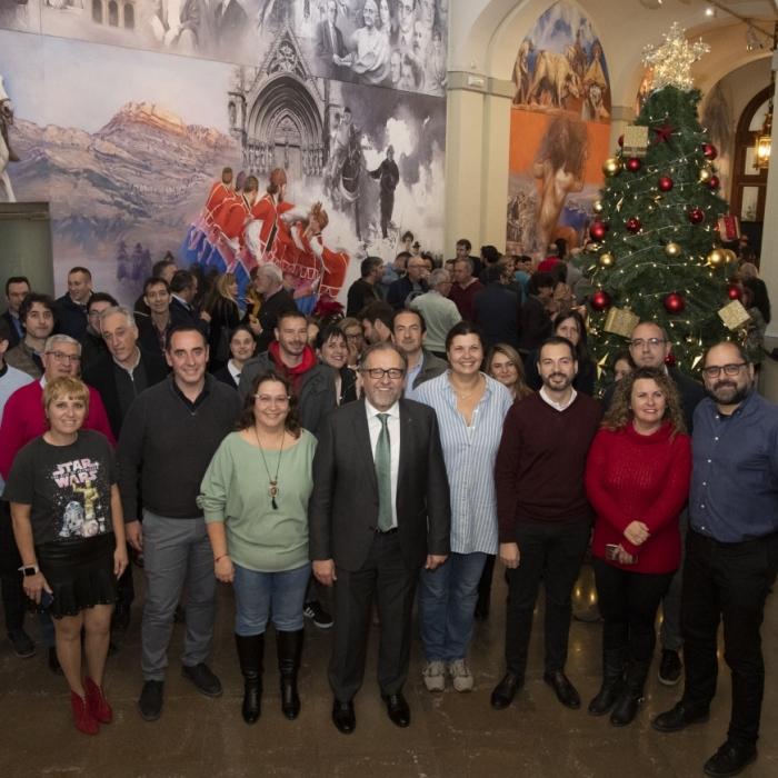 Martí destaca en la copa de Navidad de la Diputación la profesionalidad de los funcionarios y la buena acogida dispensada al nuevo equipo de Gobierno