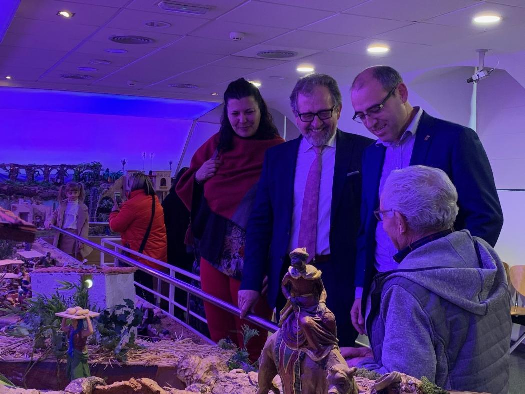 El presidente de la Diputación visita el tradicional belén del Consorcio Hospitalario Provincial de Castellón