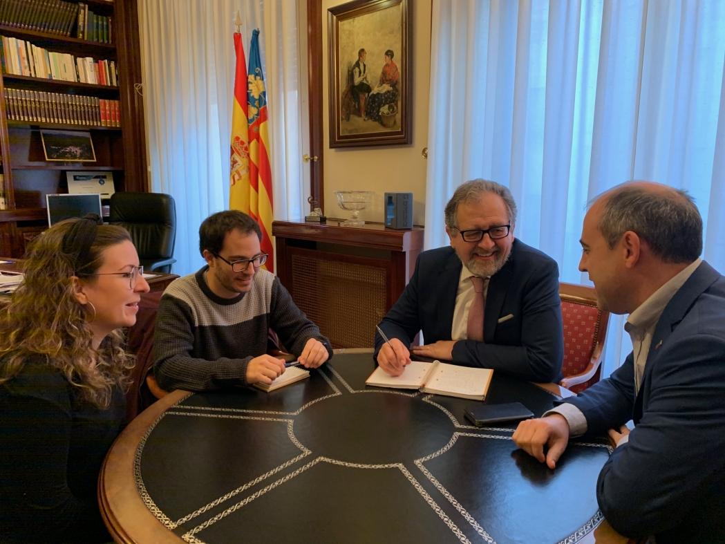 El presidente de la Diputación analiza con el alcalde de Villores las mejoras del Plan 135 y el Fondo de Cooperación para 2020
