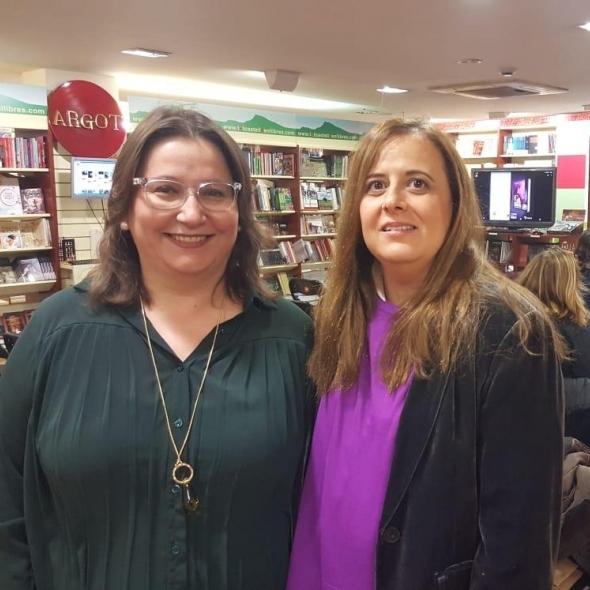 Ruth Sanz presenta el libro 'Carolina y los valientes', de Anna Casanovas, galardonado por Letras del Mediterráneo