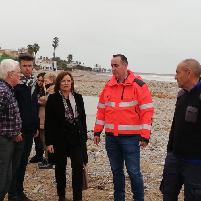 """La Diputació posa a disposició dels ajuntaments afectats pel temporal de costa maquinària de neteja """"perquè tornen a la normalitat quan abans millor"""""""