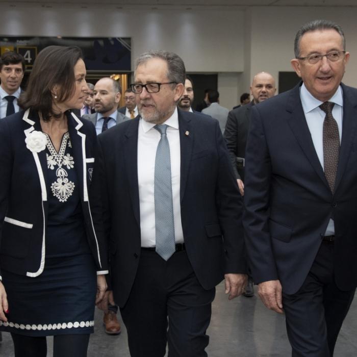 José Martí logra el compromiso de la ministra Reyes Maroto para visitar Castellón y estudiar soluciones para la industria cerámica