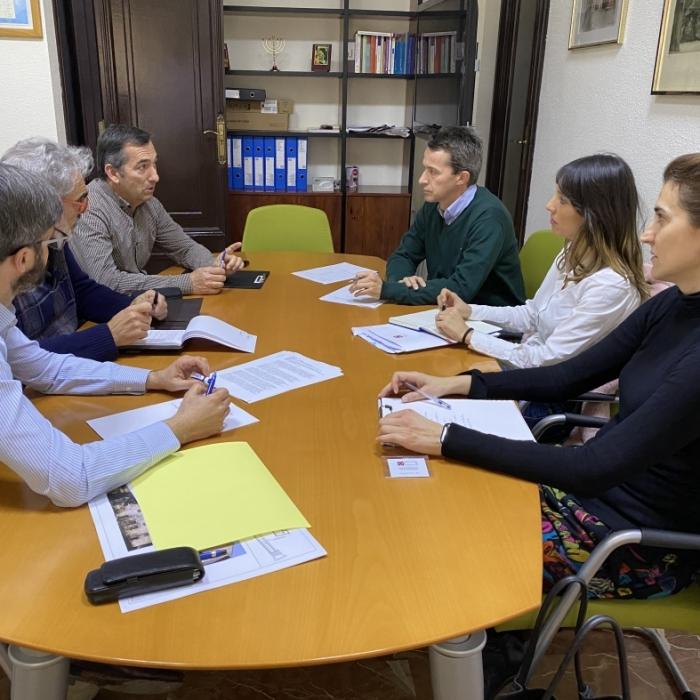 Diputación, Generalitat, Obispado y Ayuntamiento de Vistabella constituyen la comisión técnica para la remodelación de Penyagolosa