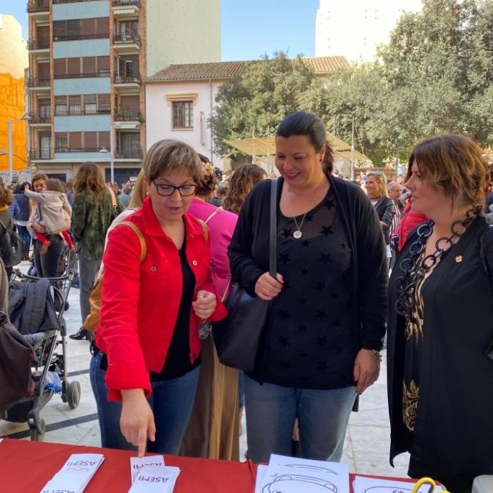 Patricia Puerta assisteix a la jornada per a celebrar el Dia Mundial de les Malalties Estranyes a Castelló