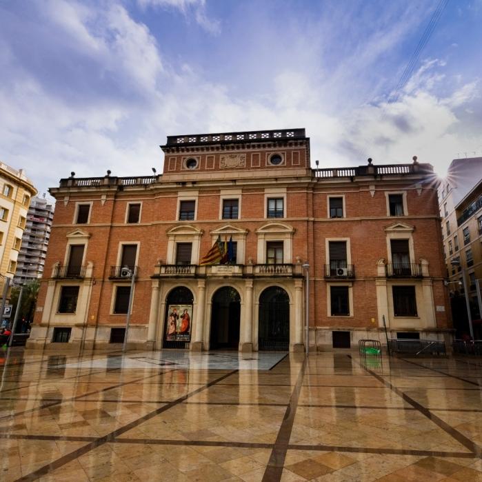 La Diputació de Castelló decideix ajornar els viatges pendents del programa de vacances 'Castelló Sènior' de l'exercici 2019-2020