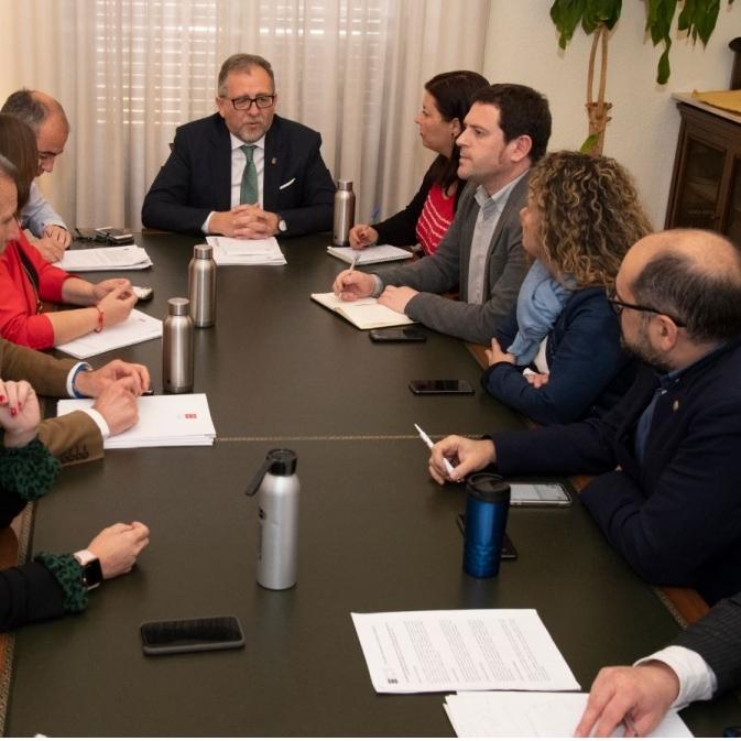 La Diputació de Castelló trasllada als portaveus les actuacions preventives per a frenar l'expansió del coronavirus