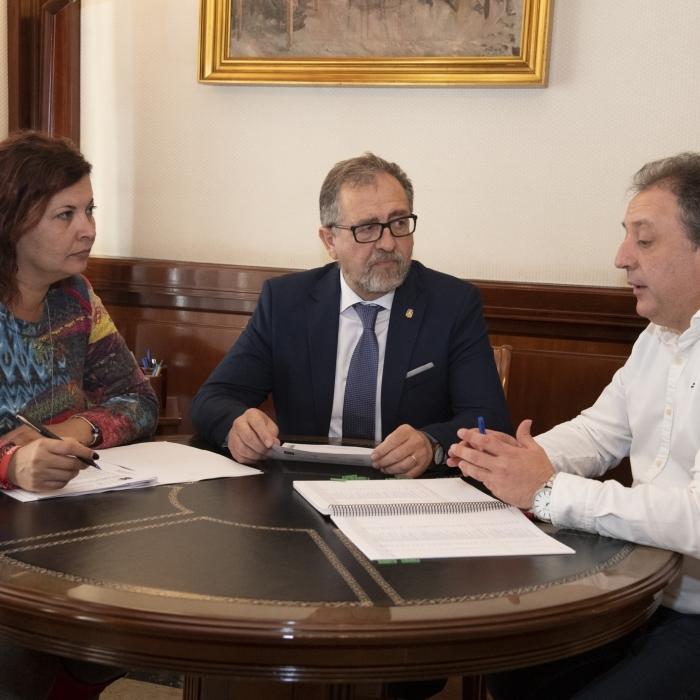 La Diputació aprova una bestreta de tresoreria que injectarà 5 milions d'euros als municipis de la província