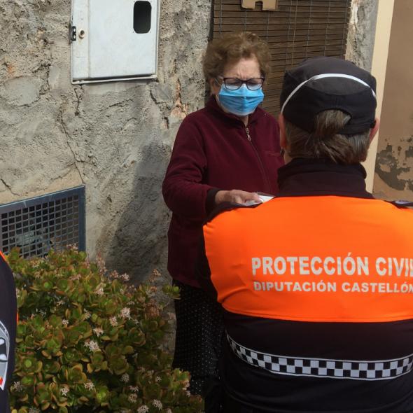 Los voluntarios de Protección Civil de la Diputación inician el reparto de medicamentos a domicilio a enfermos oncológicos de la provincia