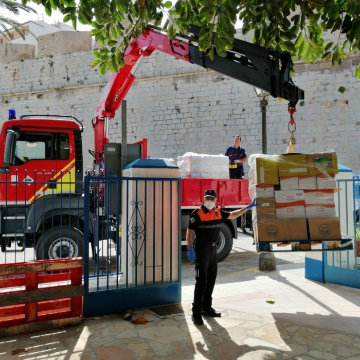 La Diputación transporta alimentos para familias necesitadas de Peñíscola en colaboración con la Generalitat, el Ayuntamiento y Cruz Roja