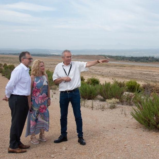 José Martí enalteix la plataforma industrial i el centre de manteniment per a l'aeroport de Castelló i avala l'aposta per una connexió aèria amb Bilbao