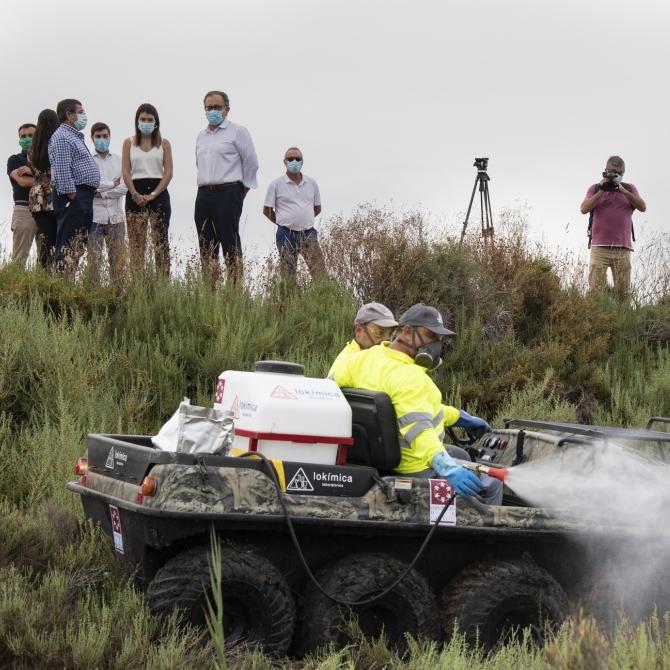 La Diputació incorpora un vehicle amfibi i un camió amb braç gegant per a intensificar els treballs del Pla Provincial Contra els Mosquits
