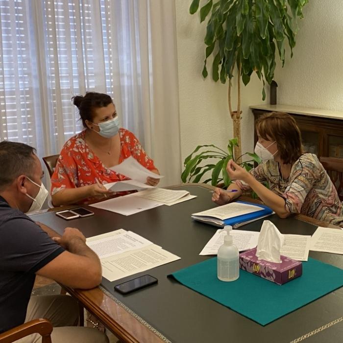 La Diputación estudiará fórmulas para ayudar a la supervivencia de las farmacias rurales de viabilidad económica comprometida de la provincia de Castellón