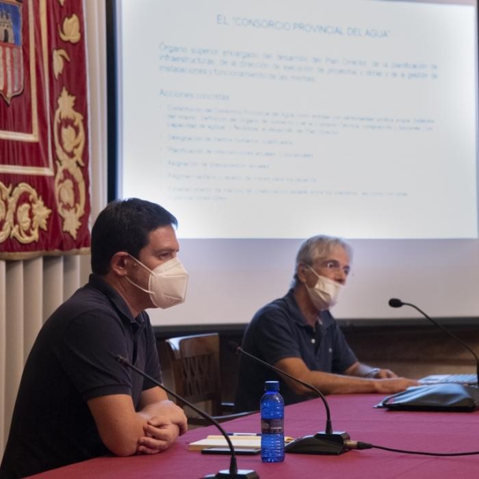Ignasi Garcia presenta el Plan Director del Agua a los presidentes de los consorcios de la provincia