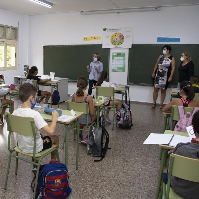 """La Diputació reforça Penyeta Roja amb una trentena més de professionals per a garantir un curs """"productiu i sense riscos"""""""