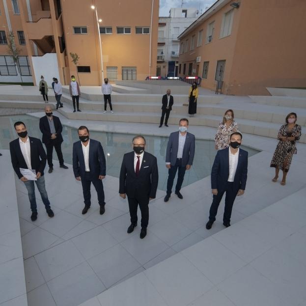 Vinaròs y Sot de Ferrer recibirán una inversión de 400.000 euros de la Diputación para renovar espacios urbanos con cerámica provincial