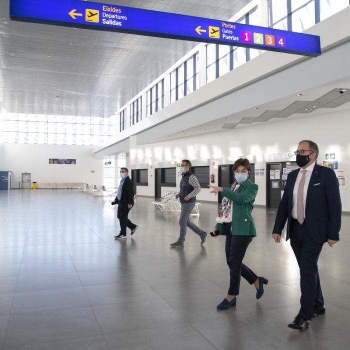 La Diputación y Aerocas redoblarán su cooperación para potenciar el aeropuerto como dinamizador del territorio y recuperar la economía de la provincia