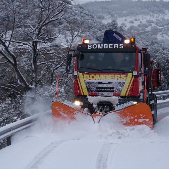 La Diputación y el Consorcio de Bomberos instan a no salir a la carretera ante la preemergencia de nivel rojo por nevadas decretado por AEMET