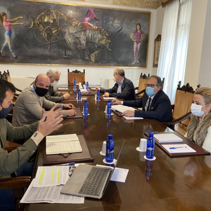 La Diputación traslada a Ashocas que incrementará hasta 9,2 millones las ayudas a los sectores más afectados por la crisis