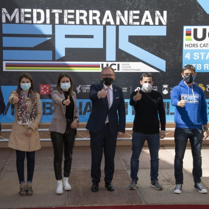 José Martí celebra l'arribada de 500 ciclistes de 40 països per a participar des del dijous en la IV Mediterranean Epic