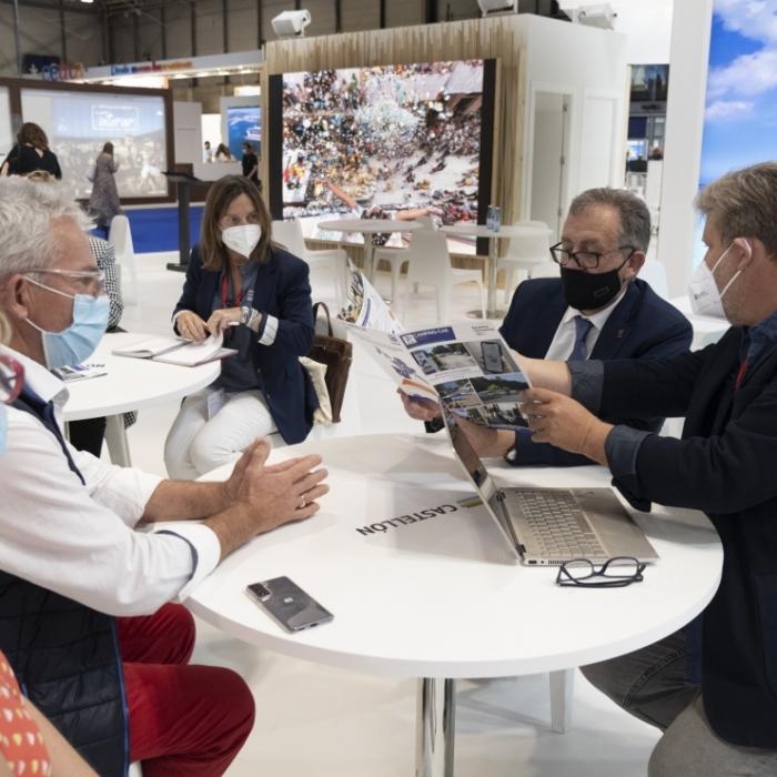 Martí respalda la profesionalización del 'caravaning' como oportunidad turística para los municipios de interior