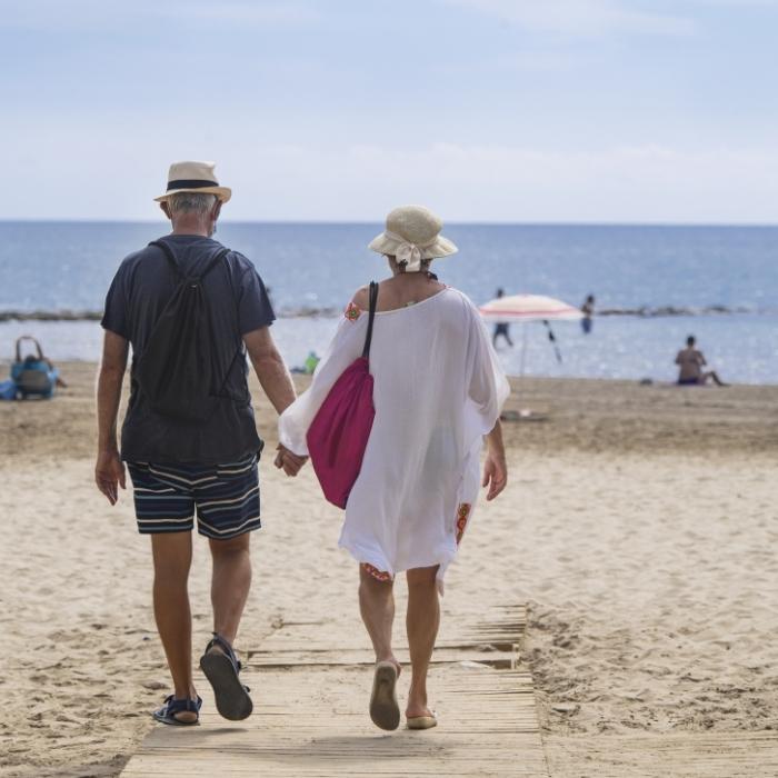 La Diputación abre el plazo de solicitud de 10.000 viajes de 'Castellón Sénior 2021-2022' para reactivar el sector