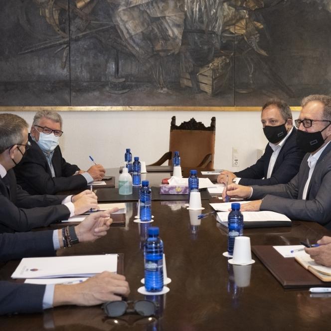 La Diputació de Castelló estudiarà deduccions fiscals al sector de la ceràmica per a afiançar la recuperació econòmica