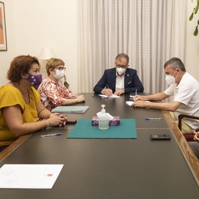 La Diputación promueve con 160 mil euros la creación de líneas de investigación contra el cáncer en el Provincial de Castellón