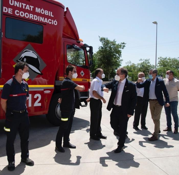 La Diputación destinará en los próximos años 2,5 millones de euros en la renovación del vestuario del servicio de bomberos