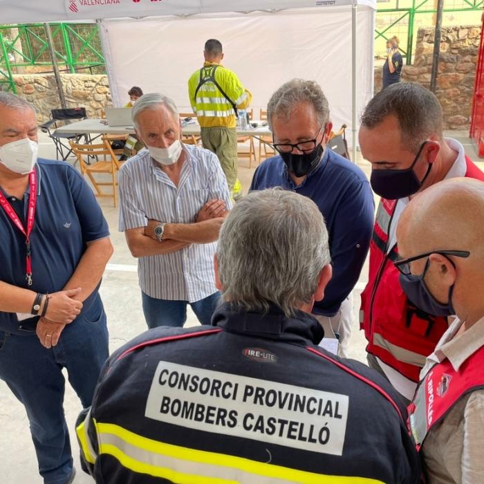 La Diputación coordina desde Azuébar la extinción del incendio de Espadà con 350 operativos de bomberos de todas las administraciones