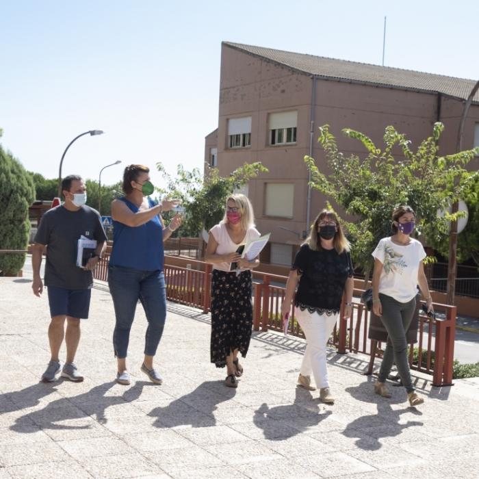 La vicepresidenta Patricia Puerta visita los centros educativos de Penyeta Roja y garantiza un nuevo curso escolar ''productivo y seguro''