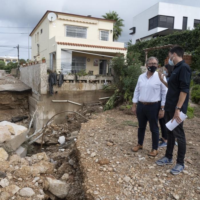 José Martí destaca que ya se trabaja con la maquinaria del Consorcio Provincial de Bomberos para abrir caminos y recuperar la normalidad en Vinaròs