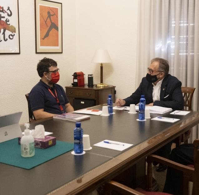 José Martí lloa el treball de Creu Roja de Castelló per a atendre l'increment de les incidències socials arran de la pandèmia per la Covid-19