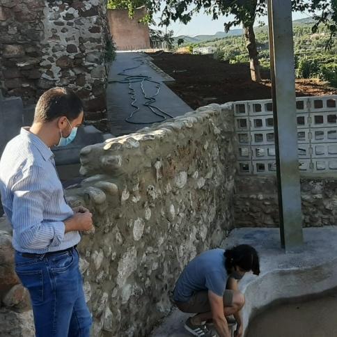 Ximo Huguet visita a Sot de Ferrer les obres que finança la Diputació per 247.000 euros per a recuperar urbanísticament el Hinchador i ampliar el cementeri