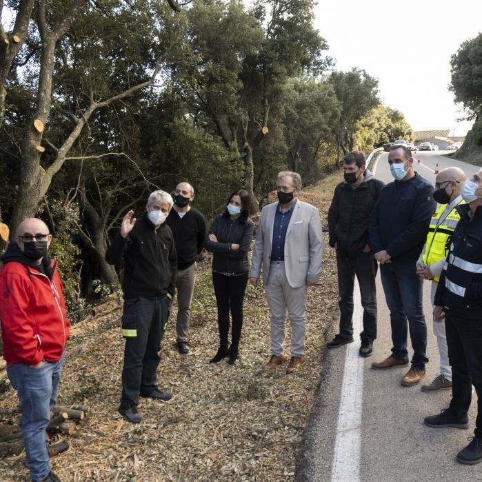 La Diputación y la Generalitat invierten 1,8 millones de euros en las brigadas de mitigación para reforzar la seguridad de las viviendas de los pueblos en caso de incendio forestal