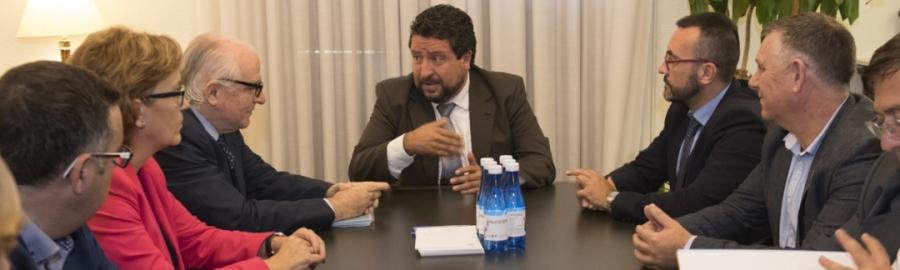 La Diputació conjumina als municipis més grans contra els desnonaments