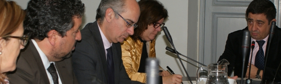 Moliner exporta el modelo de gestión eficiente de la Diputación en la FEMP