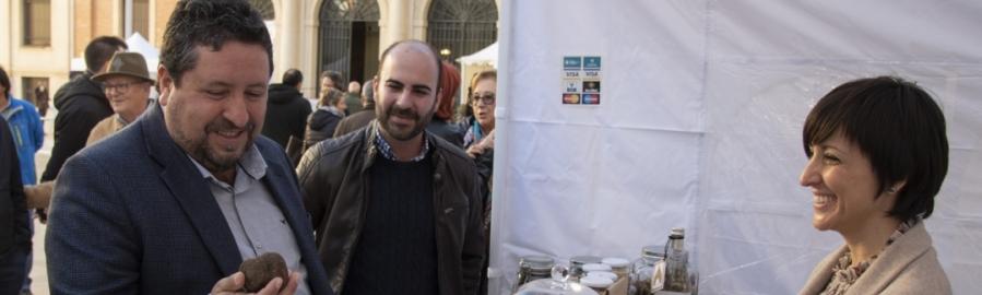 La Diputación fomenta la venta de trufa en el Mercat de la Trufa i Productes Nadalencs