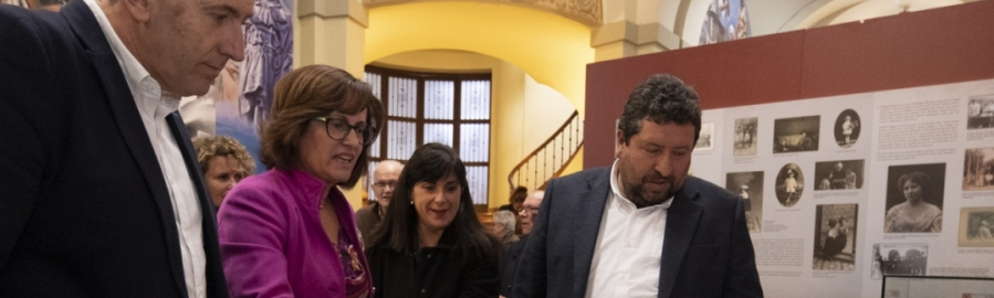 Diputación mantendrá hasta el día 21 la exposición homenaje de Matilde Salvador