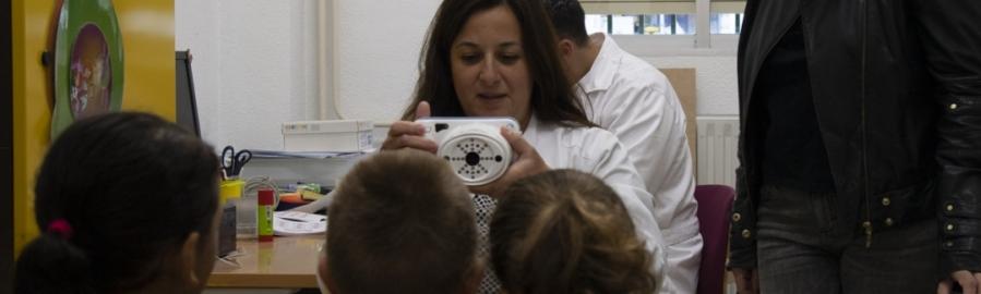 Diputación revisa la vista de 1.512 niños de 78 escuelas con su programa 'Salut al Poble'