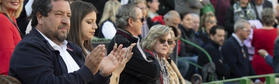 Moliner respalda la tauromaquia castellonense en la 'Corrida de la Provincia'