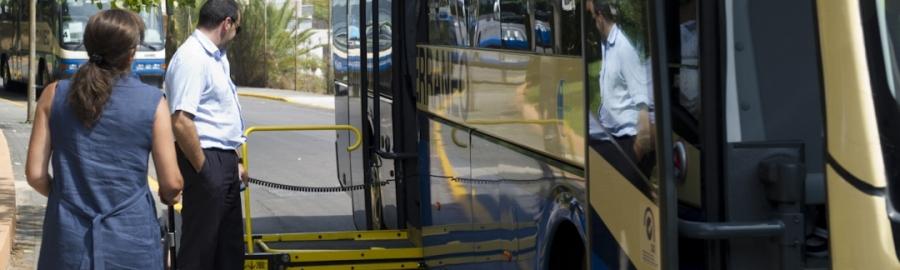 Diputació aprova el servei de transport adaptat a persones amb discapacitat