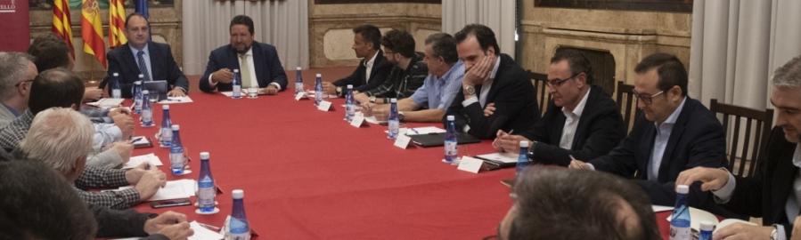 Diputación y las principales empresas cerámicas se emplazan a seguir trabajando