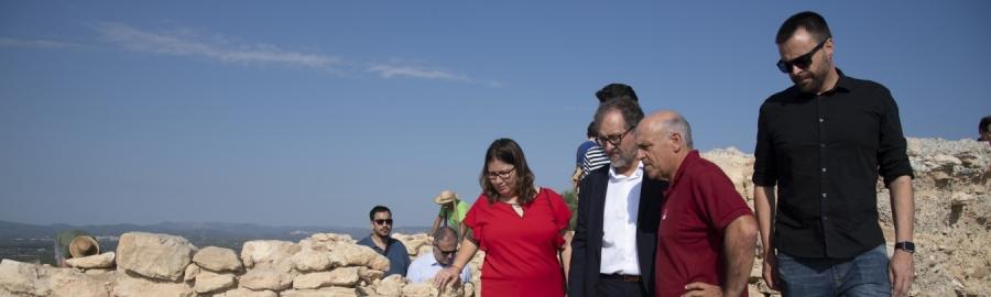 Martí destaca el potencial que ofereixen a Vinaròs las excavacions en el jaciment del Puig