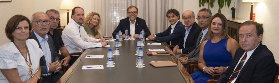 La Diputación tiende la mano a los empresarios para coordinar los proyectos que impulsen el turismo