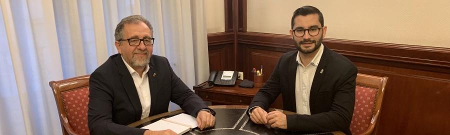 Martí i l'alcalde de l'Alcora aborden la necessitat de concloure «ja» el parc de Protecció Civil