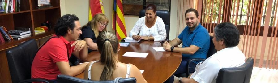 La vicepresidenta Puerta es reuneix amb els responsables de l'Associació Gitana de Castelló